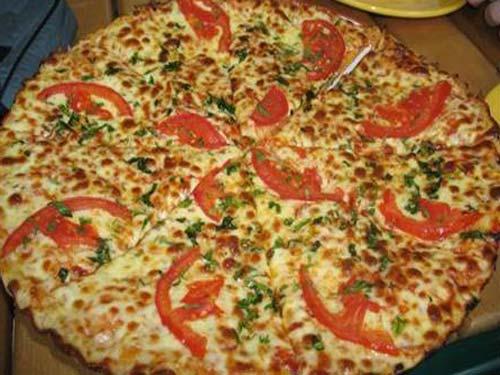 Пицца с сыром и помидорами и грибами рецепт